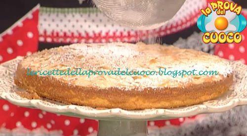 Mantovana con crema di yogurt al limone ricetta Luisanna Messeri da Prova del Cuoco