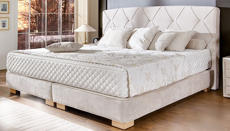 boxspringbett kristall aufw ndig gesticktes kopfteil und einer 7 zonen taschenfederkern. Black Bedroom Furniture Sets. Home Design Ideas