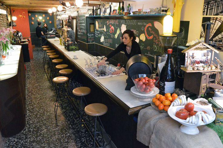 Bar Ángel, photo by Paula Mourenza