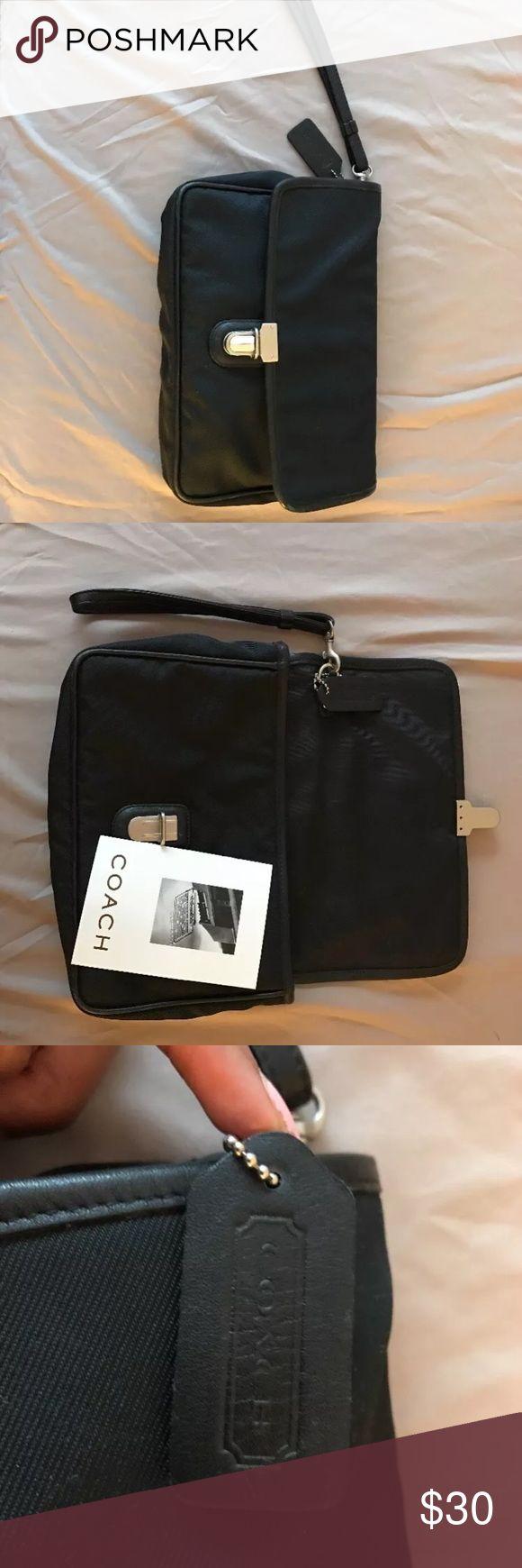 Coach clutch Pre owned vintage coach purse Coach Bags Clutches & Wristlets