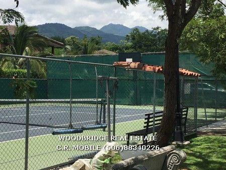 Costa Rica Santa Ana casa lujo alquiler $4.500 venta $690.000 1 planta, jardines, lindas areas sociales con cancha de tennis y piscina.