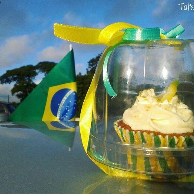 Eu ainda acredito no Brasil!  #frescurasdatati #7desetembro  #brasil #cupcake…