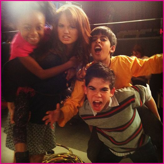 "Debby Ryan Says There's A Mystery In ""Jessie"" Season 2 On The Disney Channel"