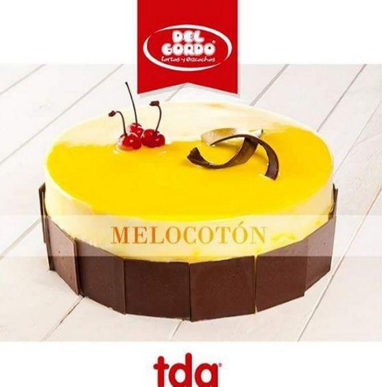 Deliciosa torta refrigerada de melocotón