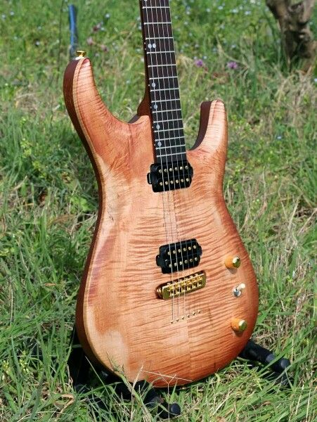 Relic Light - Custom Guitar