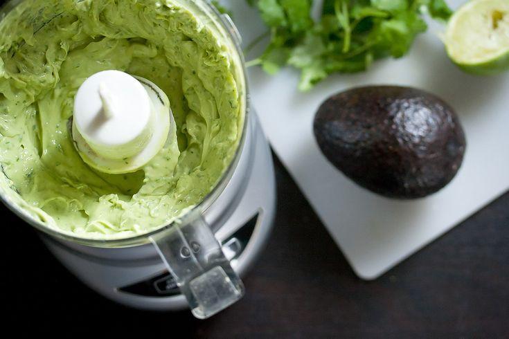 Sos de avocado cu iaurt