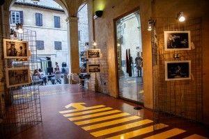 L'atrio del Palazzo e scorcio sul cortile interno Ph. M. Alessia Manti