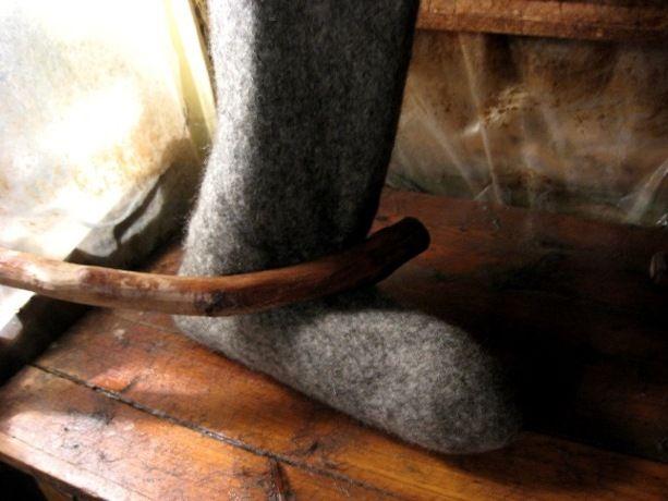 Мастер-класс от потомственной валяльщицы: делаем настоящие валенки по древней технологии