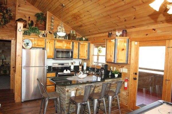Fowl Play Luxury 1 Bedroom Pigeon Forge Cabin Rental Pigeon Forge Cabin Rentals Pigeon Forge Cabins Luxury Cabin
