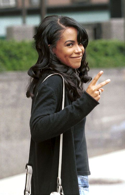 1000 Ideas About Aaliyah On Pinterest Aaliyah Style Rip Aaliyah And Aliyah Singer