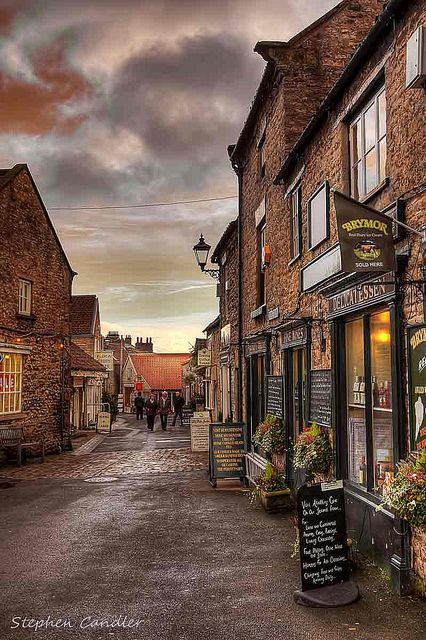 Always enjoyed stopping for a cuppa here, on our way to Whitby.. Helmsley, North Yorkshire, England