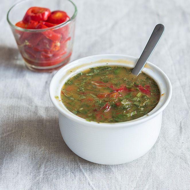 Das Rezept für leckere Chili Marinade und viele weitere Rezepte für würzige Grillmarinaden findest du im Springlane Magazin.