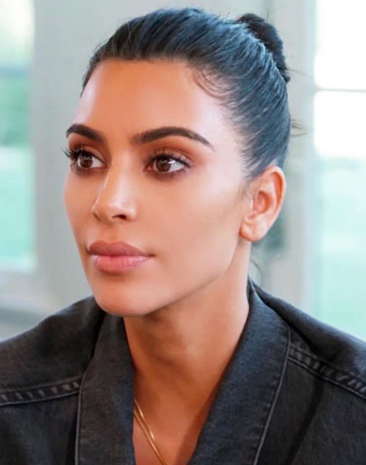 Pinterest: DEBORAHPRAHA ♥️ Kim Kardashian makeup on keeping up with the kardashians