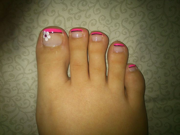 pink french pedicure