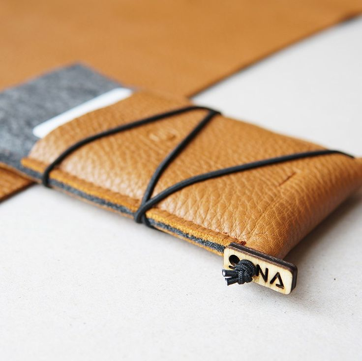 The new, highly functional KORD iPhone case with front card pocket | premium Italian leather & 100% natural wool felt