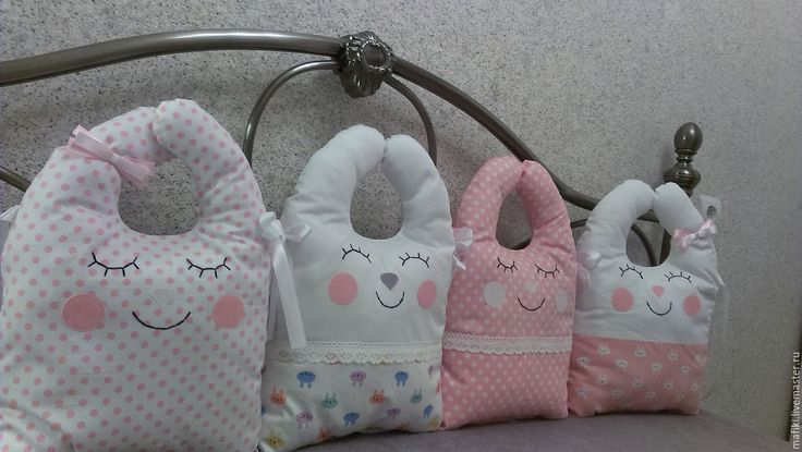 Купить Бортик подушка Зайка для детской кроватки - бледно-розовый, подушка-игрушка, зайка
