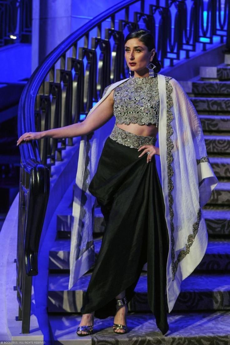 View LFW '15: Grand Finale: Anamika Khanna Pics on TOI Photogallery