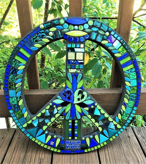 MOSAIC PEACE Sign 16 Round Hippie / Bohemian Art