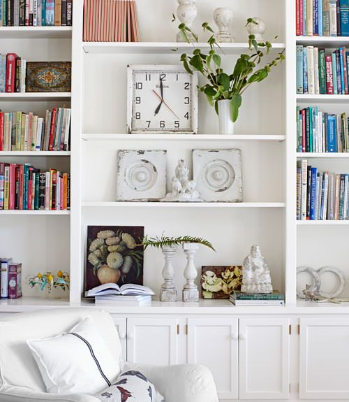 Arranging Bookshelves To Look Like A Stylish Detail In Your Home Instead Of Stuffy Library