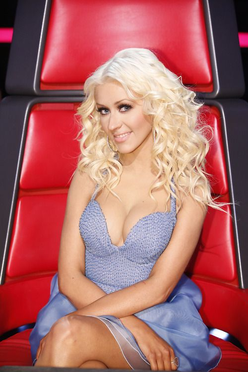 On The Voice! FOTE FOR JAQUIE LEE!!! FOLLOW ME FOR MORE CHRISTINA AGUILERA NEWS/FASHION! ! allchristina !