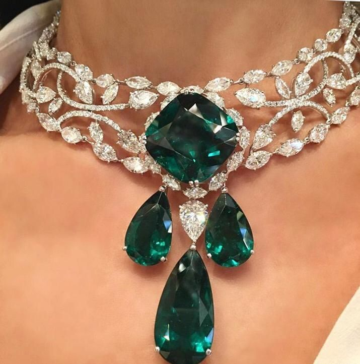 This is out of this world!! Emeralds and Diamonds in one Stunning necklace. Is not made for mortals. SLVH