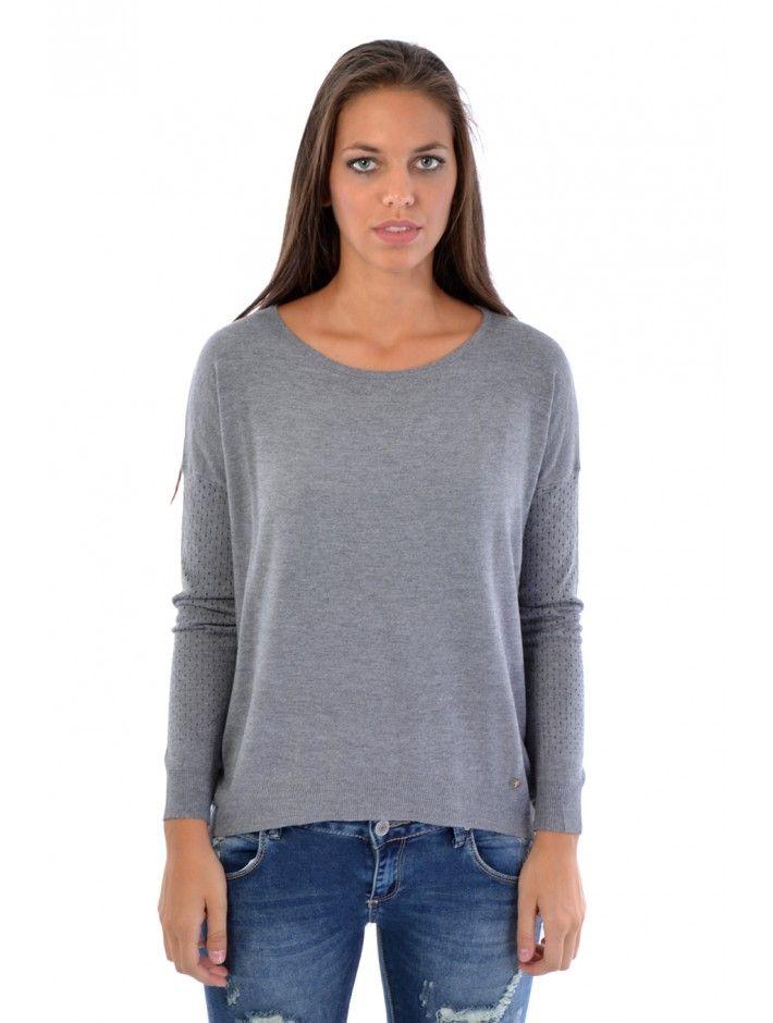 Štýlový dámsky sveter z pohodlného materiálu. Sveter Garth Ti perfektne sadne vďaka štýlovému strihu a zároveň je ideálny na chladnejšie dni. Buď moderná s JUSTPLAY.