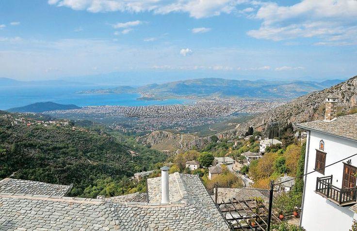 Θέα από τη Μακρινίτσα στο Βόλο και τον Παγασητικό.  ΦΩΤΟΓΡΑΦΙΑ: ΘΟΔΩΡΗΣ ΑΘΑΝΑΣΙΑΔΗΣ www.viewsofgreece.gr