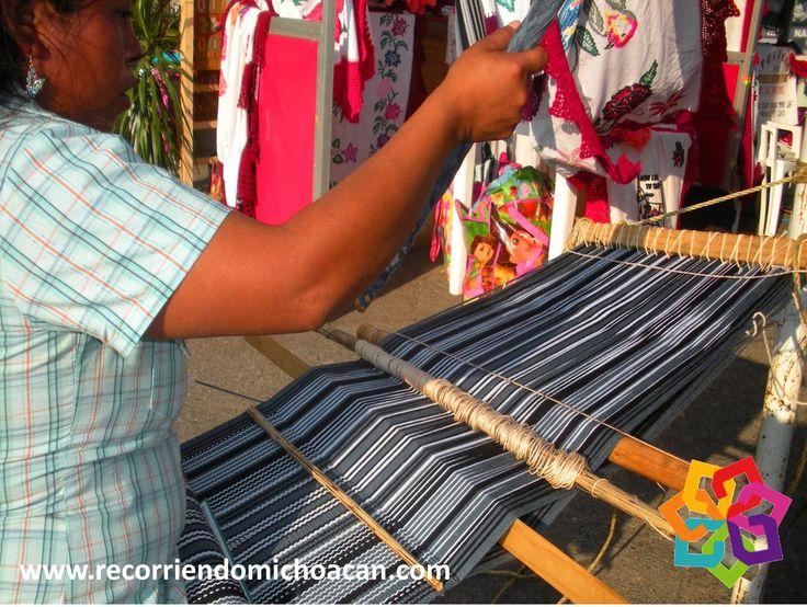 """RECORRIENDO MICHOACÁN le habla sobre Charapan """"Lugar de Tierra Colorada"""" a sólo 2 horas de Morelia, es en donde se elaboran gabanes, que por su calidad y diseño son reconocidos a nivel nacional. Desde 1993  se lleva a cabo la Feria del Gabán que se hace durante las festividades de su santo patrono  San Antonio de Padua. Hotel BEST WESTERN de Morelia. http://www.bestwestern.com.mx/best-western-plus-gran-hotel-morelia/"""