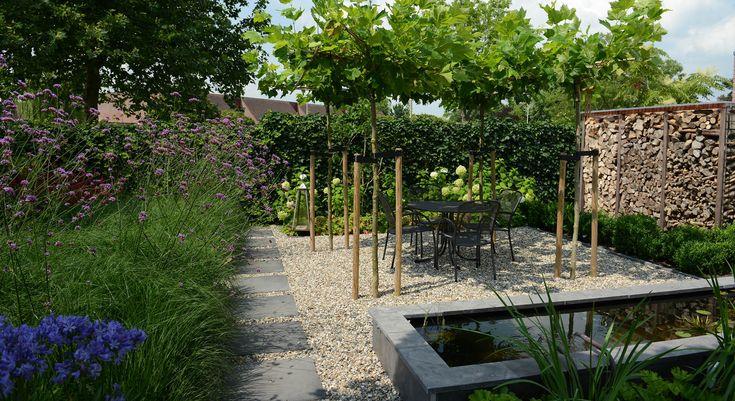 25 beste idee n over achtertuin zitplekken op pinterest achtertuin huis eengezinswoningen en - Tuin grind decoratief ...