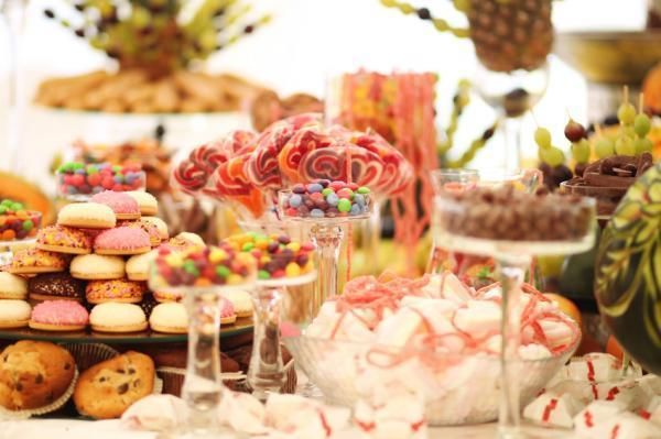 How to Plan a Fun Wedding: Ideas for a Unique Event #dessert #wedding #sweets #fun