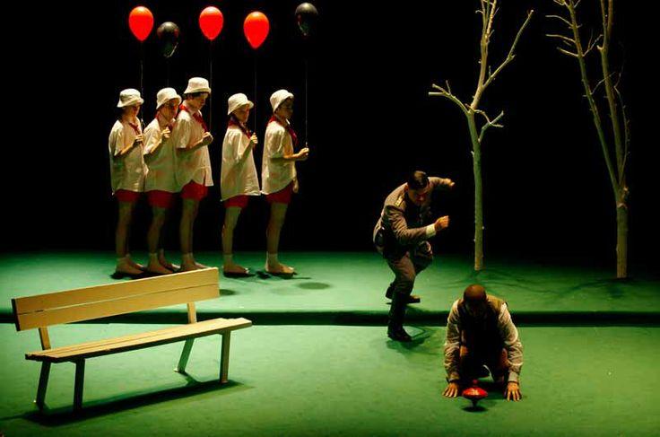 """""""Himmelweg - La via del cielo"""" regia di Marco Plini. Al #Teatro delle Passioni di  #Modena dal 16 al 18 febbraio 2014. Foto di Chira Ferrin"""