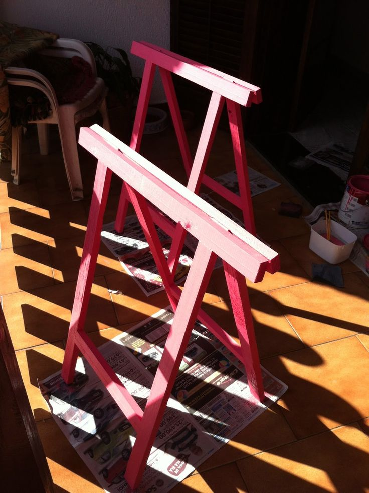 LOUCA DE IDEIAS: Fazendo uma mesa com cavalete!