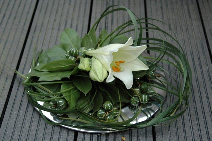 Arrangement with one Lily