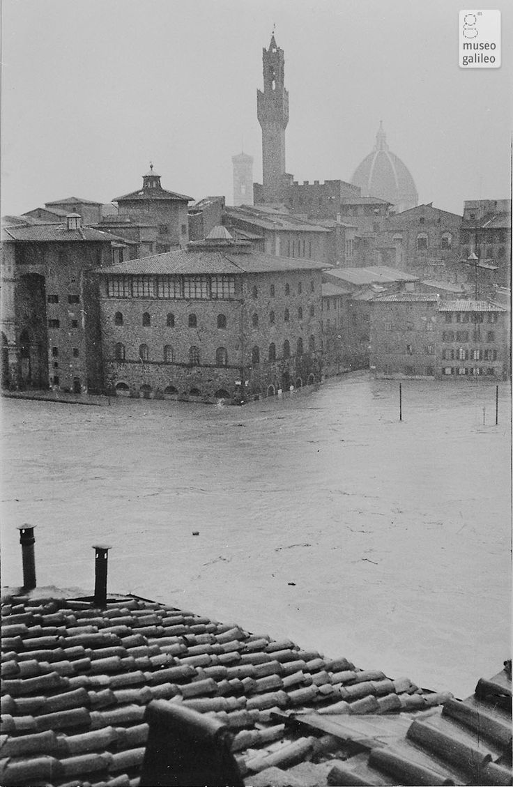 1966: Museo della Scienza surrounded by water! Firenze, Italy