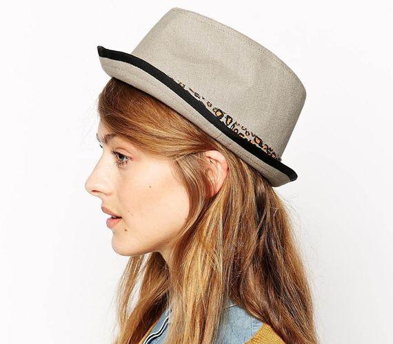 A hipszter stílus egyik alapkelléke a kalap.