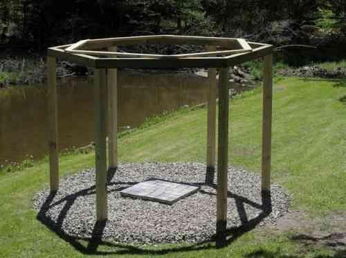 Trouvez le milieu des poutres et construisez un deuxième hexagone pour plus de stabilité