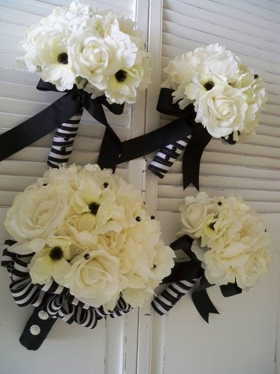 Nautical Wedding Bouquets. For the best officiant for your Outer Banks ceremony, or anywhere in NC, contact Rev. Dawn Marsh Gallogly, officiant4you.com/