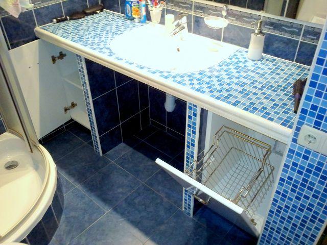 мебель для ванной с корзинами для белья на заказ киев