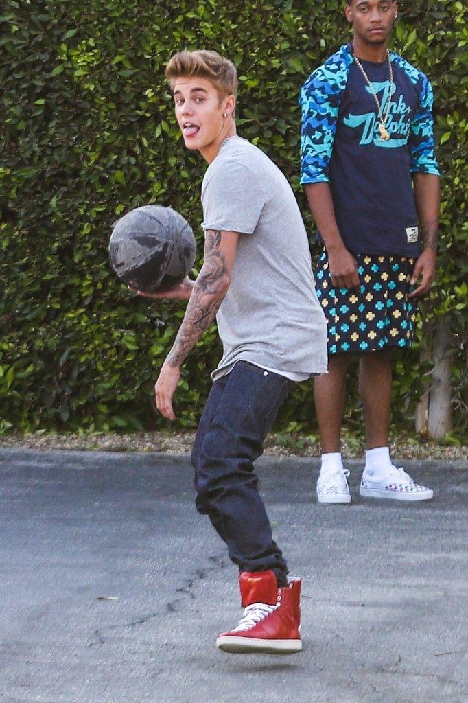 "Justin Bieber Filming New Episode ""Funny Or Die"" 2013"