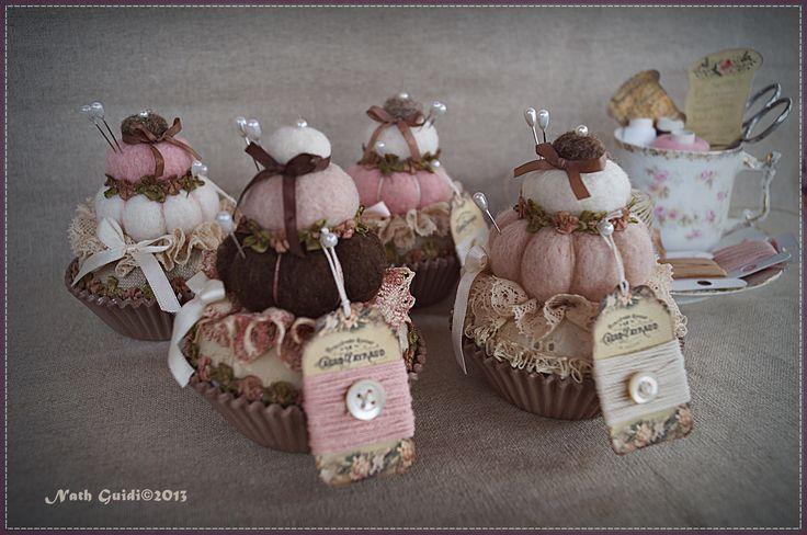 Les pique-aiguilles cupcake pour les couturières gourmandes ! Nath.Guidi©2013