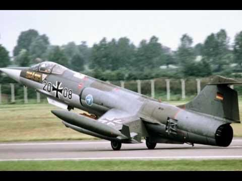 A Great 1956 Fighter Jet F-104 with Beautiful Sounds