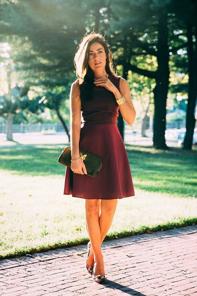 1539a561ce4 what shoes to wear with maroon dress 50+ best outfits