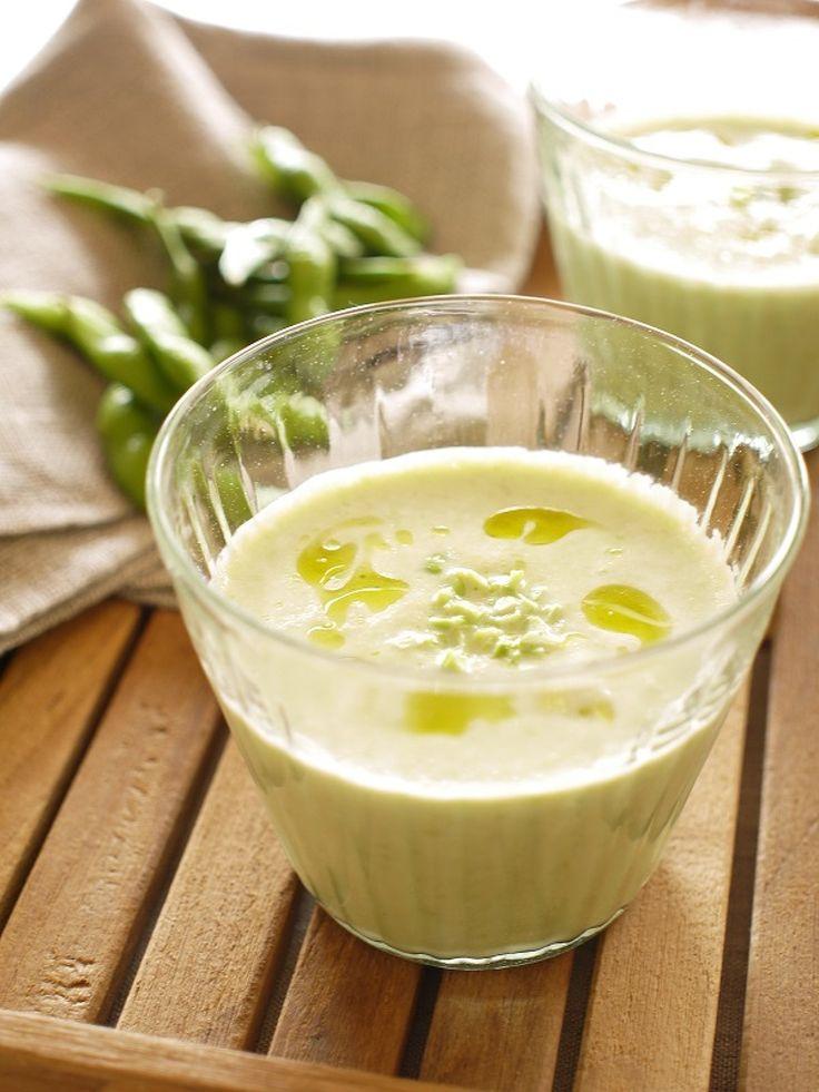 枝豆と豆乳と白だしのみの、優しい味わいのスープです。食欲がない朝にもおすすめ。旬の枝豆で味わうもよし、冷凍枝豆を常備すれば、いつでも簡単に栄養補給です!お好みで冷温どちらでも(^^♪す。