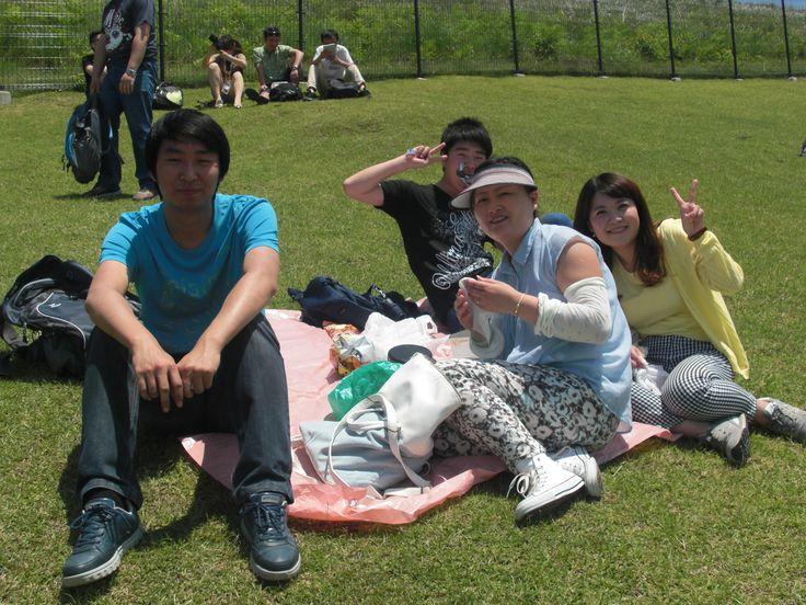 濱元先生、テイレイさんと一緒に昼ご飯です