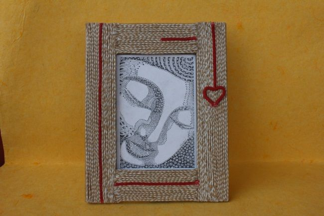 Ethical and handmade photo frame made from jute!    Email us info@arushi.co.uk Follow us on https://www.facebook.com/HandmadewithloveArushi/
