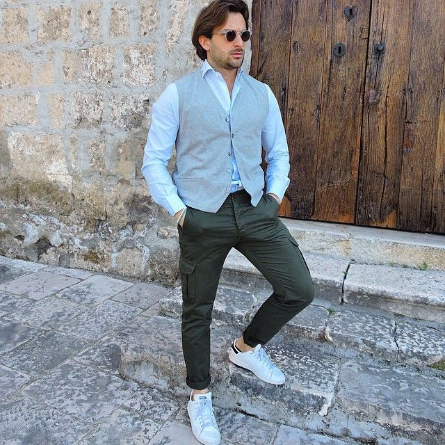@menwithclass  @maglificiogransasso fresh cotton gilet x cargo olive green trousers  #danilocarnevale #gilet #cargo #maglificiogransasso  danilocarnevale.com (presso danilocarnevale.com)
