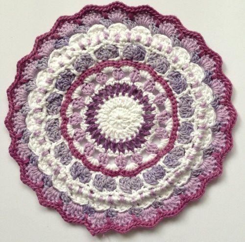 Source: http://crochetime.net/2013/10/28/crochet-mandalas-ta-daaaah/