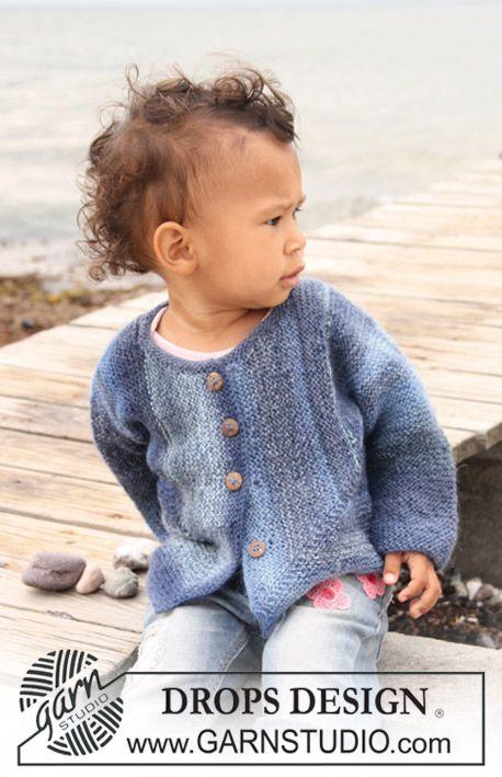 Retstrikket domino jakke til baby og børn i DROPS Delight.