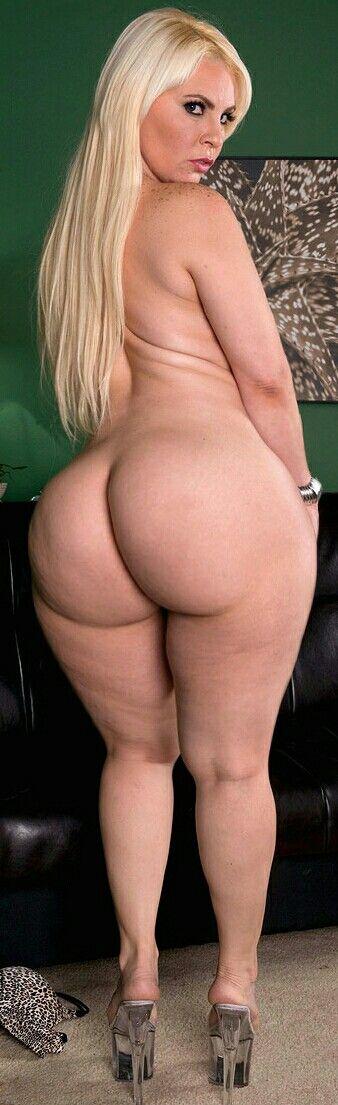 girls-porncom-beautiful-big-booty-girls-porn-blonde-strips