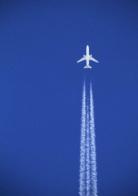 White plane, blue sky by Joe__M, via Flickr
